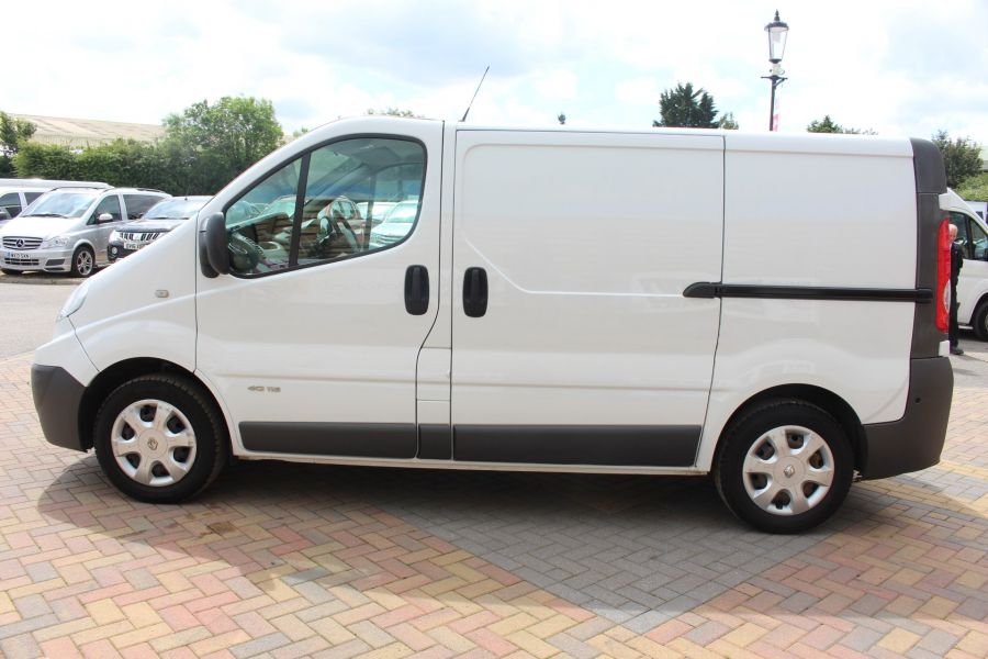 RENAULT TRAFIC SL27 DCI 115 SWB LOW ROOF - 6284 - 8