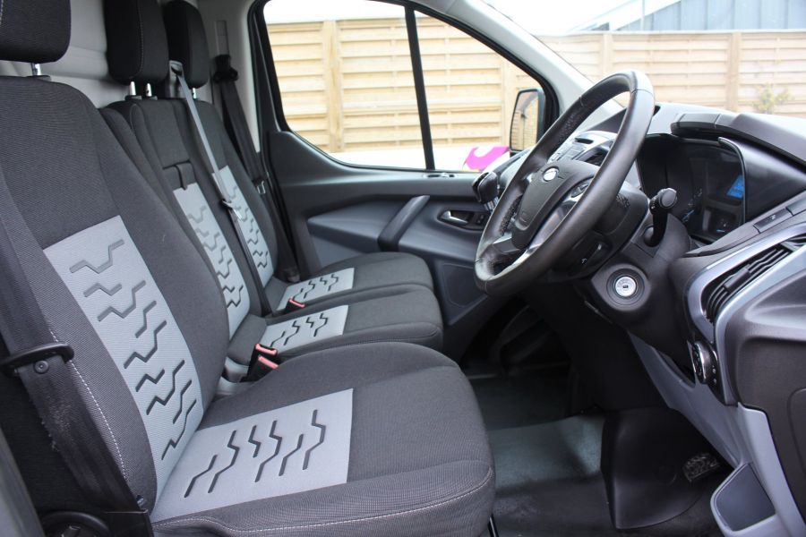 FORD TRANSIT CUSTOM 270 TDCI 125 L1 H1 LIMITED SWB LOW ROOF FWD - 7818 - 12