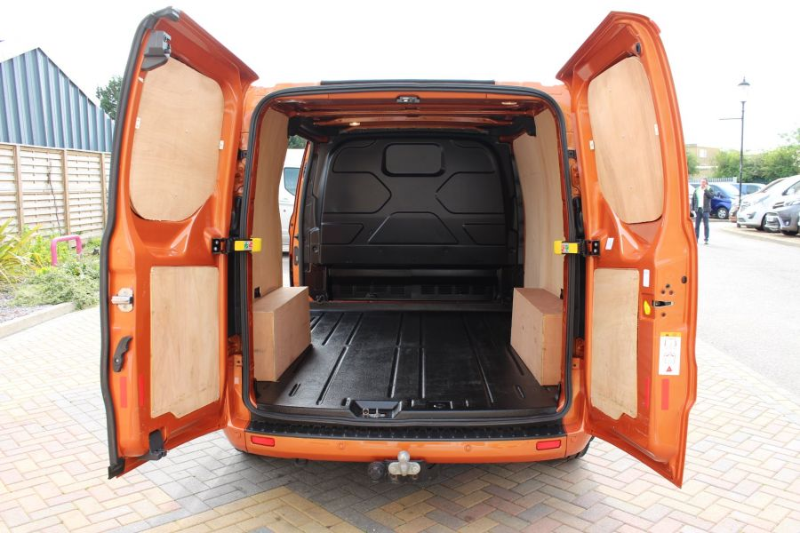 FORD TRANSIT CUSTOM 280 TDCI 130 L1 H1 LIMITED SWB LOW ROOF FWD - 9411 - 24