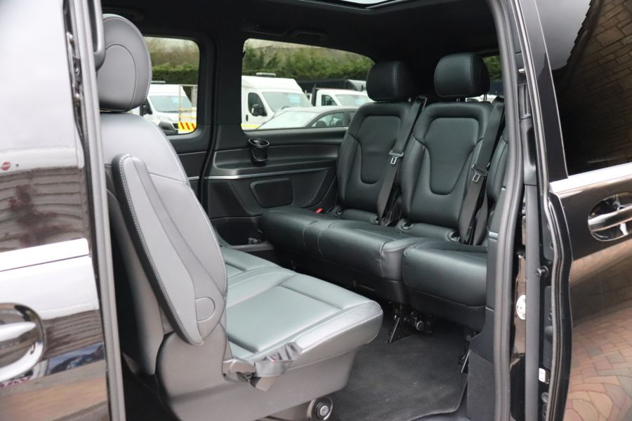 MERCEDES V-CLASS V 220 D AMG LINE LONG 8 SEATS 7G--TRONIC PLUS - 10543 - 41