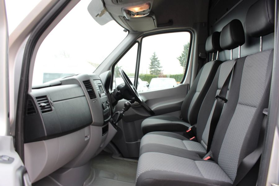 VOLKSWAGEN CRAFTER CR35 TDI 143 LWB HIGH ROOF - 7581 - 16
