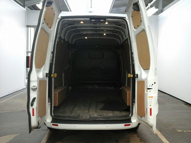 FORD TRANSIT CUSTOM 290 TDCI 125 L2 H2 LIMITED LWB HIGH ROOF FWD - 9471 - 4