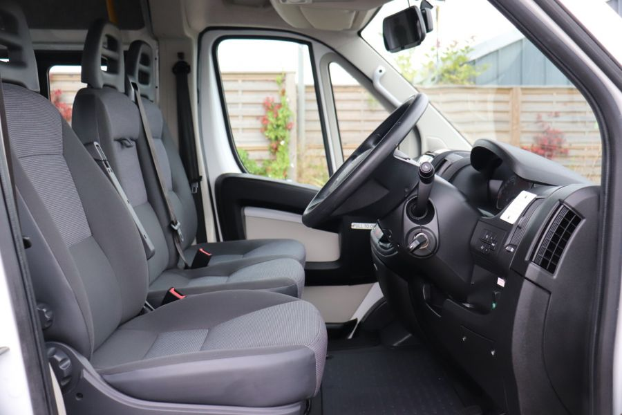 PEUGEOT BOXER 440 HDI 130 L4H2 17 SEAT BUS HIGH ROOF WITH WHEELCHAIR ACCESS - 9625 - 12