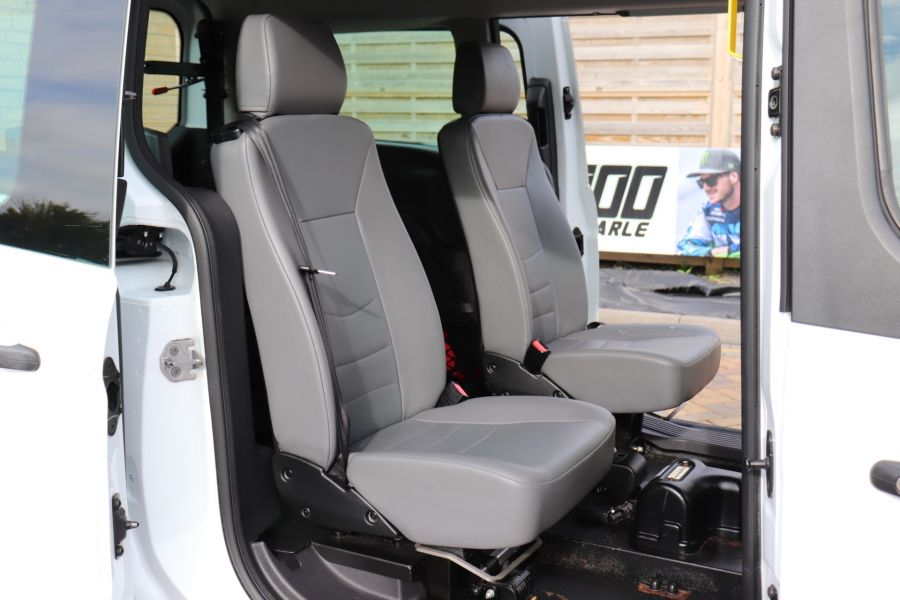 FORD GRAND TOURNEO CONNECT TDCI 95 COMBI VAN WITH WHEELCHAIR ACCESS - 11545 - 38