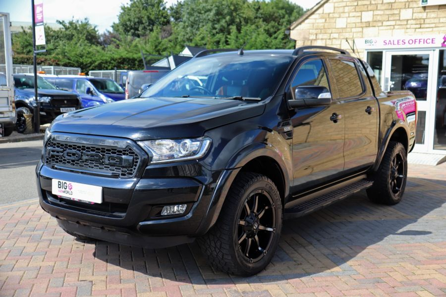 FORD RANGER WILDTRAK TDCI 200 4X4 DOUBLE CAB WITH ROLL'N'LOCK TOP - 9851 - 9