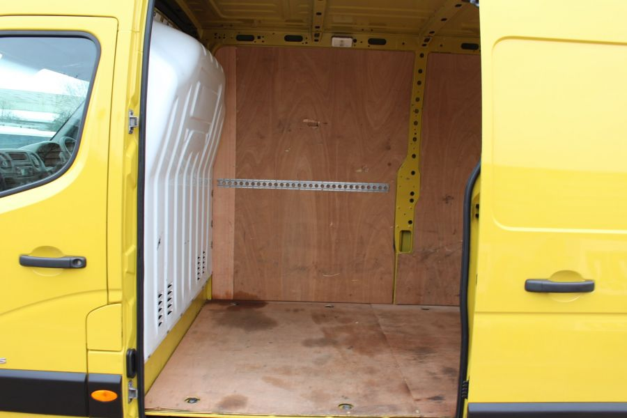 RENAULT MASTER LM35 DCI 125 LWB MEDIUM ROOF - 7494 - 18