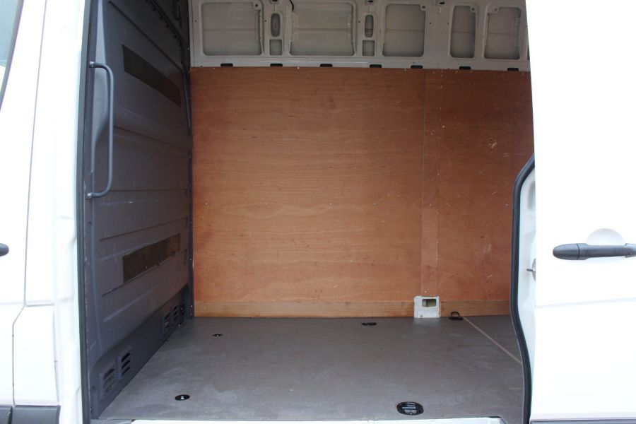 VOLKSWAGEN CRAFTER CR35 TDI 136 LWB HIGH ROOF - 6890 - 13