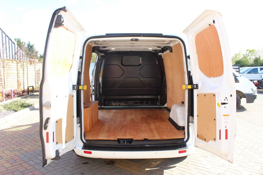 FORD TRANSIT CUSTOM 270 TDCI 125 L1 H1 LIMITED SWB LOW ROOF FWD - 6799 - 23