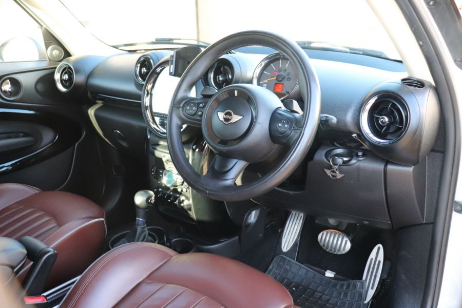 MINI PACEMAN COOPER 2.0 SD 143 ALL4 AUTO - 11657 - 3