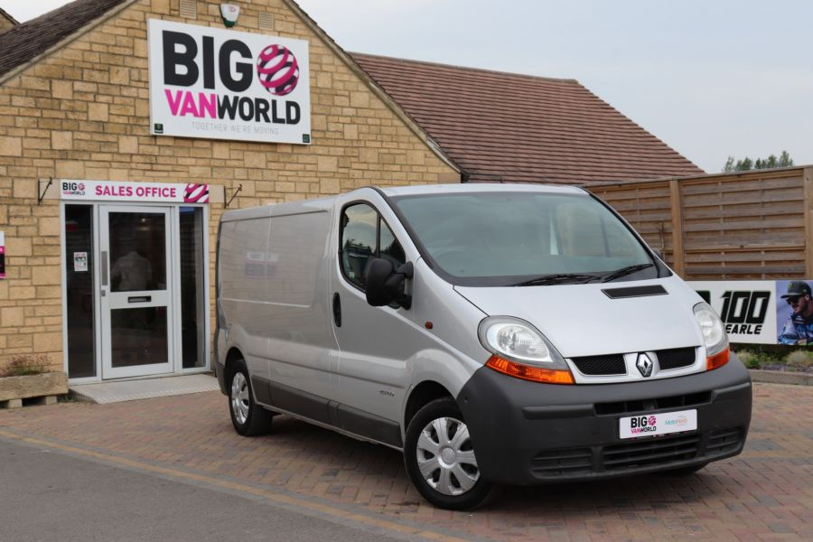 RENAULT TRAFIC LL29 DCI 100 LWB LOW ROOF - 9371 - 1
