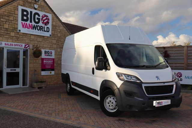 Used PEUGEOT BOXER in Used Vans Swindon for sale