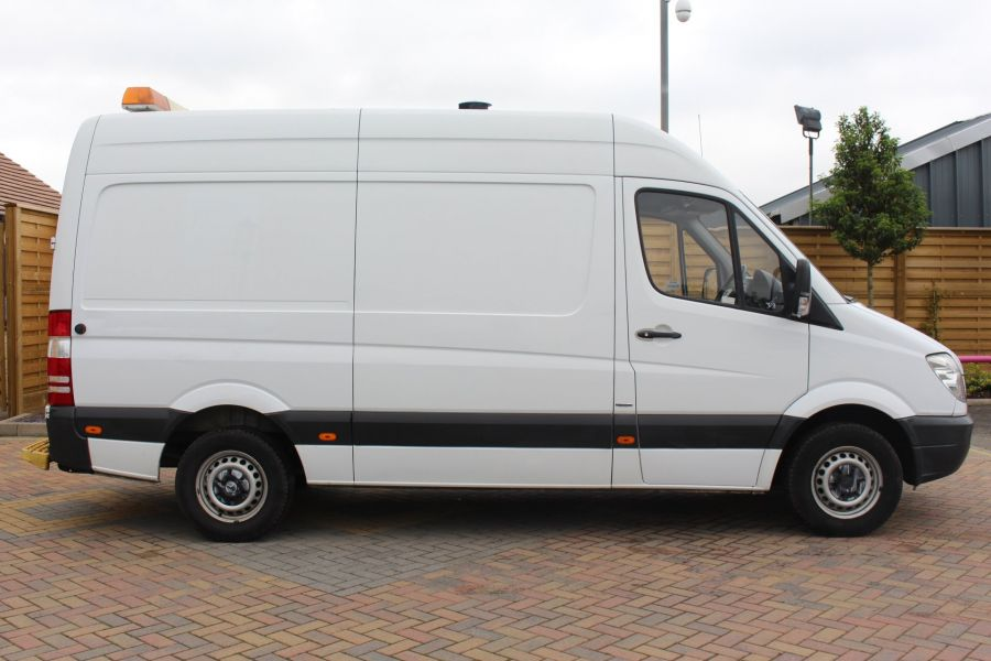 MERCEDES SPRINTER 316 CDI MWB HIGH ROOF - 6399 - 4