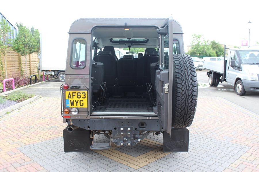LAND ROVER DEFENDER 110 TD XS STATION WAGON 7 SEATER - 6197 - 25