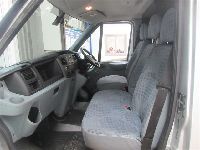 FORD TRANSIT 260 TDCI 100 TREND SWB LOW ROOF FWD - 6816 - 12