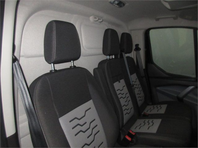 FORD TRANSIT CUSTOM 270 TDCI 125 L1 H1 LIMITED SWB LOW ROOF FWD - 7611 - 11