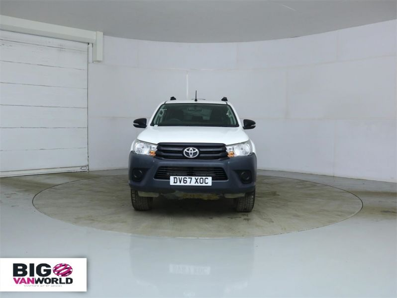 TOYOTA HI-LUX ACTIVE 4WD D-4D 148 DOUBLE CAB WITH TRUCKMAN TOP - 8350 - 6
