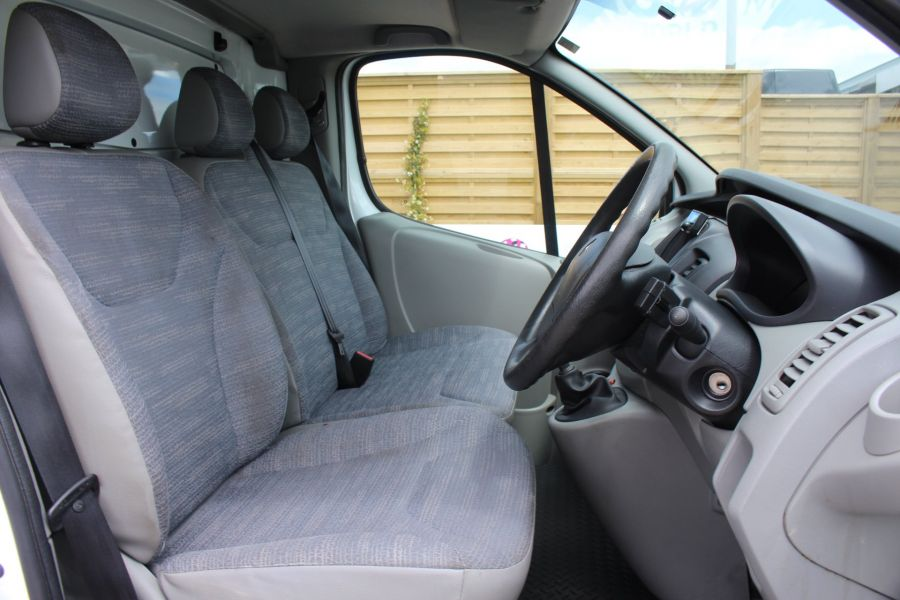 RENAULT TRAFIC SL27 DCI 115 SWB LOW ROOF - 6284 - 12