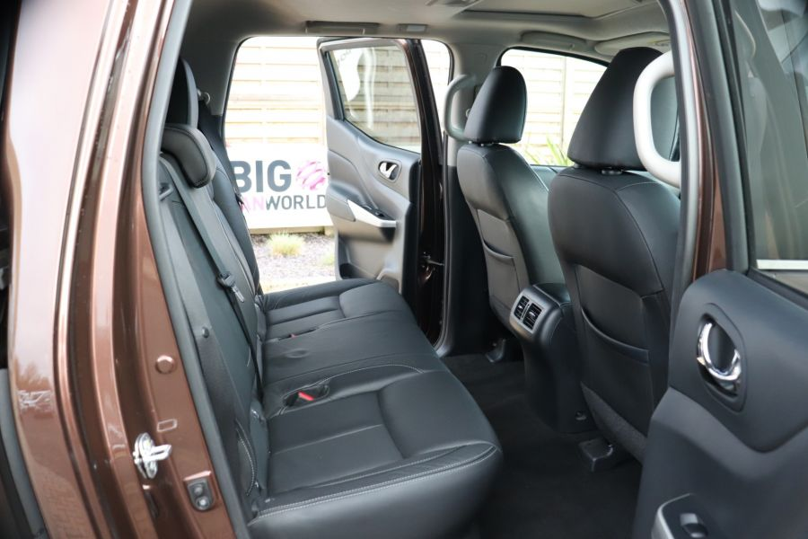 NISSAN NAVARA DCI 190 TEKNA 4X4  DOUBLE CAB WITH TRUCKMAN TOP AUTO - 10310 - 41