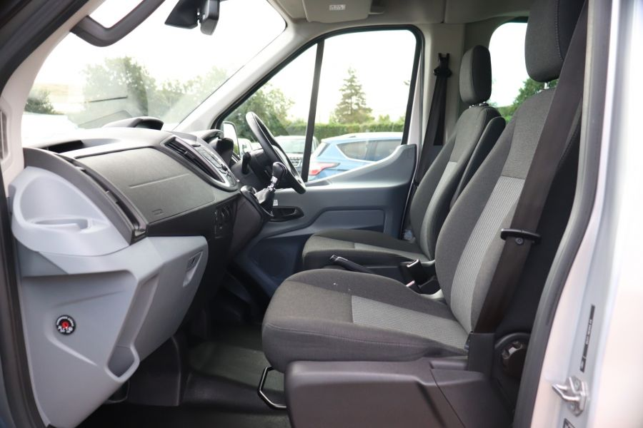 FORD TRANSIT 460 TDCI 155 L4H3 TREND 17 SEAT BUS HIGH ROOF DRW RWD - 9897 - 31