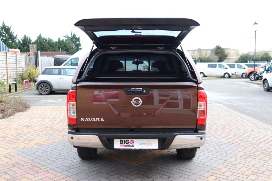 NISSAN NAVARA DCI 190 TEKNA 4X4  DOUBLE CAB WITH TRUCKMAN TOP AUTO - 10310 - 43