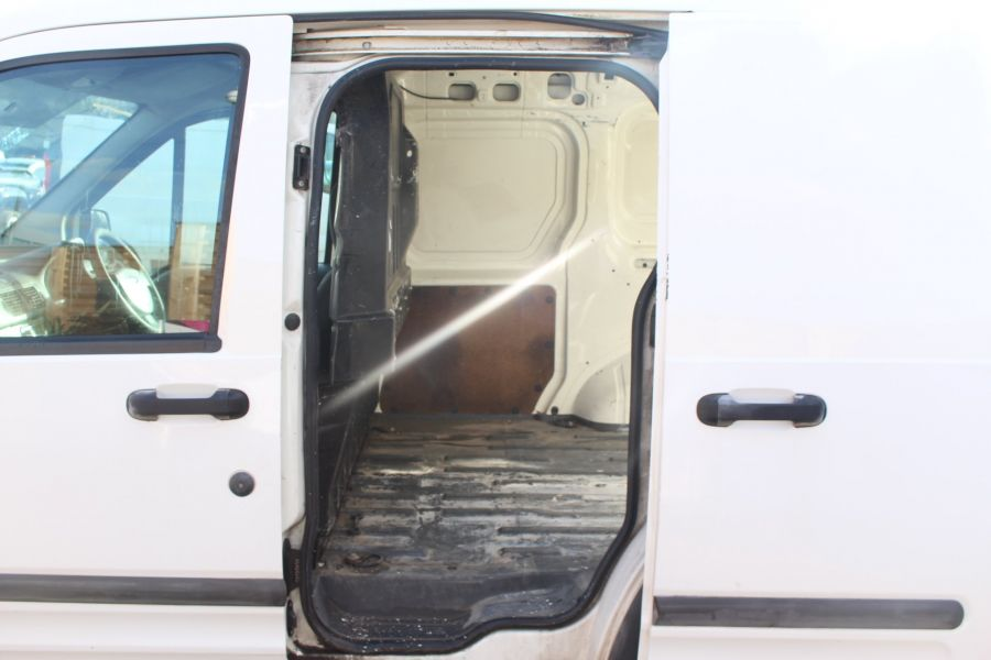 FORD TRANSIT CONNECT T200 TDDI 75 SWB - 7281 - 17