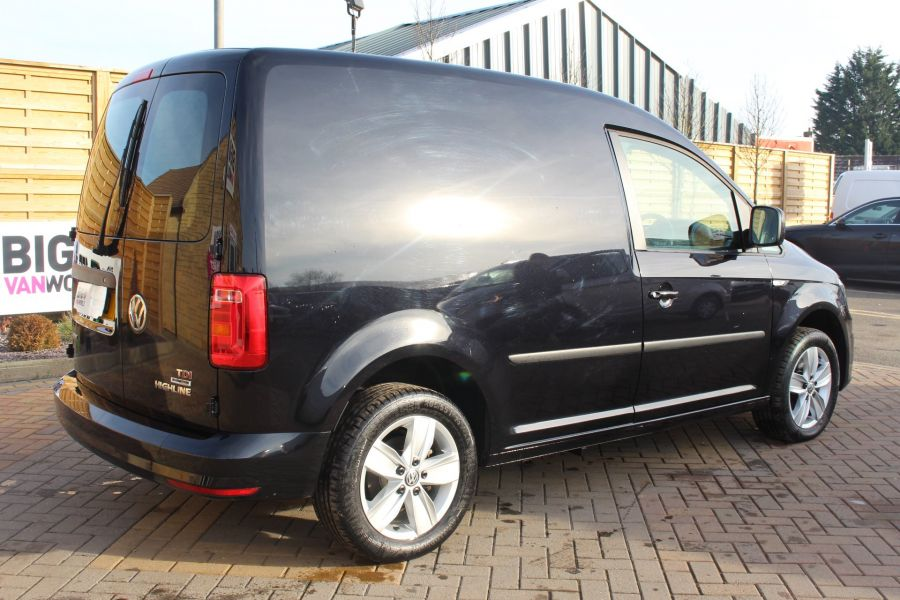 VOLKSWAGEN CADDY C20 TDI 150 HIGHLINE BLUEMOTION TECH DSG - 7222 - 5