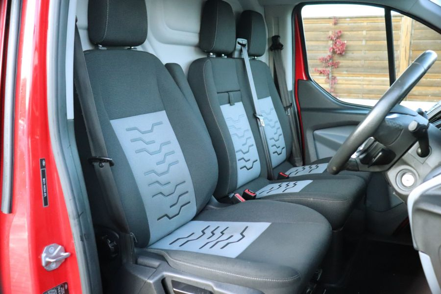 FORD TRANSIT CUSTOM 290 TDCI 125 L1H1 LIMITED SWB LOW ROOF FWD - 12045 - 15