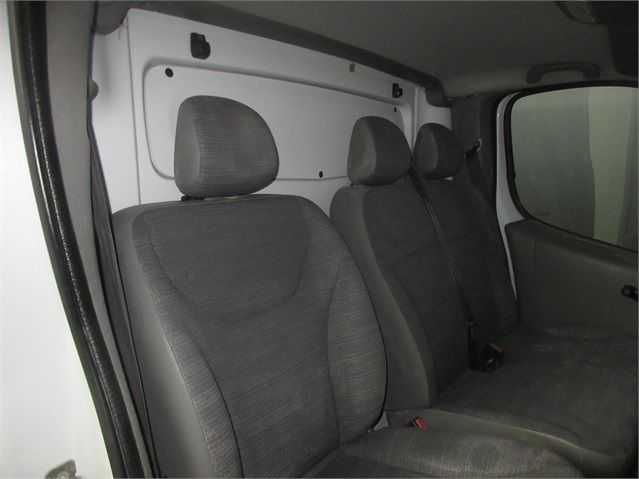 RENAULT TRAFIC LH29 DCI 115 LWB HIGH ROOF - 7439 - 10