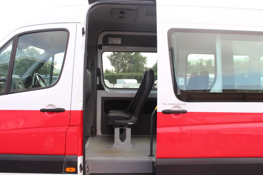 MERCEDES SPRINTER 316 CDI 163 TRAVELINER LWB 15 SEAT BUS HIGH ROOF - 8100 - 20
