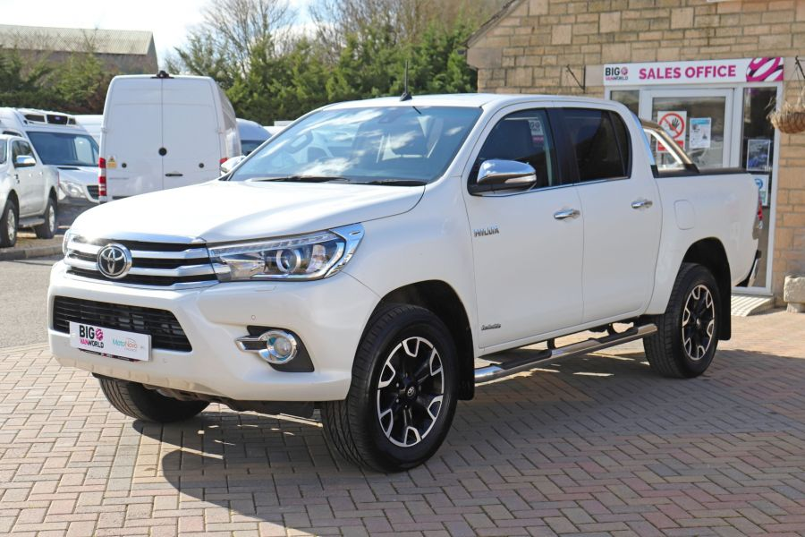 TOYOTA HI-LUX D-4D 150 INVINCIBLE X 4WD DOUBLE CAB WITH ROLL'N'LOCK TOP - 12270 - 12
