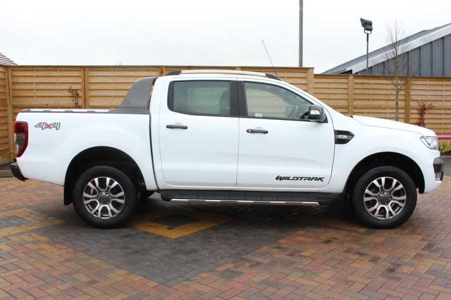 FORD RANGER WILDTRAK TDCI 200 4X4 DOUBLE CAB WITH ROLL'N'LOCK TOP - 7576 - 4