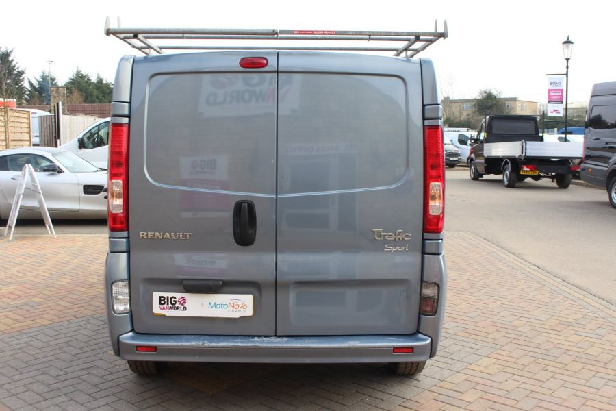 RENAULT TRAFIC SL27 DCI 115 SPORT SWB LOW ROOF - 7442 - 6