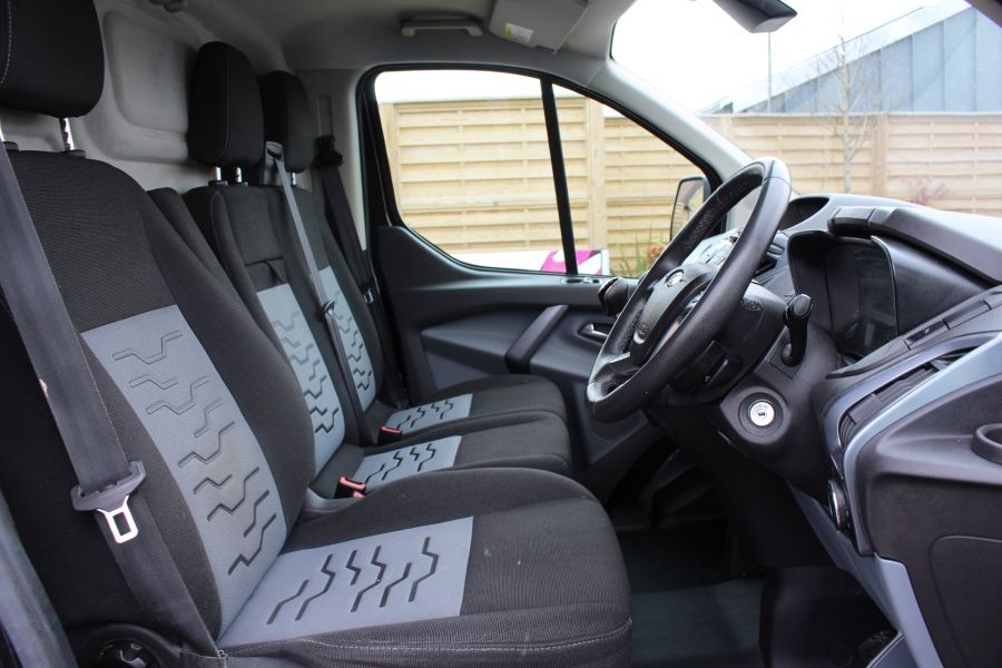 FORD TRANSIT CUSTOM 270 TDCI 155 L1 H1 LIMITED SWB LOW ROOF FWD - 7564 - 12