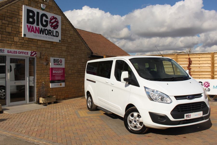 FORD TOURNEO CUSTOM 300 TDCI 125 L2 H1 LIMITED 9 SEAT MINIBUS SWB LOW ROOF FWD - 7215 - 1
