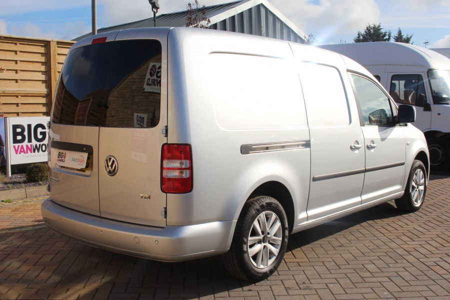 VOLKSWAGEN CADDY MAXI C20 TDI 102 HIGHLINE DSG - 6738 - 5