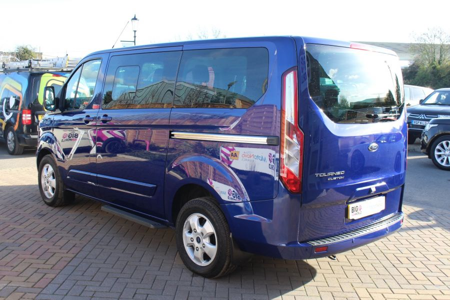 FORD TOURNEO CUSTOM 300 TDCI 125 L1 H1 LIMITED 9 SEAT MINIBUS SWB LOW ROOF FWD - 6857 - 7