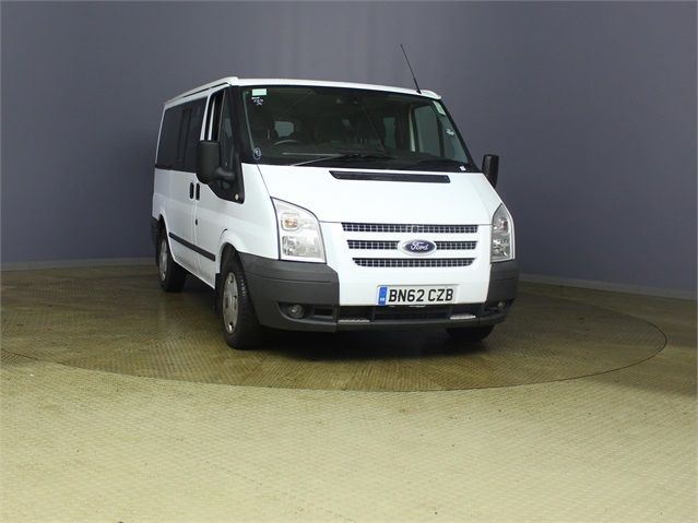 FORD TRANSIT 280 TDCI 125 TREND TOURNEO SWB LOW ROOF 9 SEAT MINIBUS FWD - 7621 - 1