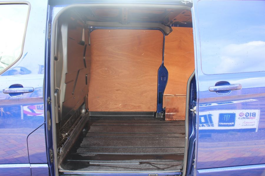 FORD TRANSIT CUSTOM 290 TDCI 125 L1 H1 LIMITED SWB LOW ROOF FWD - 9056 - 19