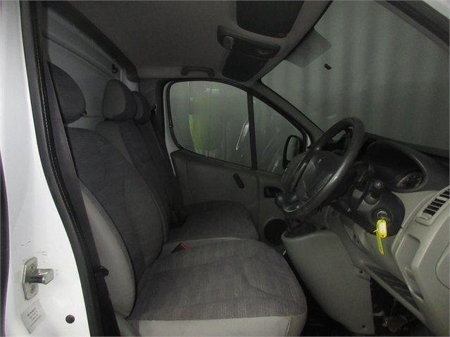 RENAULT TRAFIC LH29 DCI 115 LWB HIGH ROOF - 7432 - 9