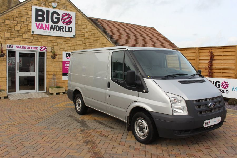 FORD TRANSIT 300 TDCI 100 SWB LOW ROOF FWD - 6733 - 2