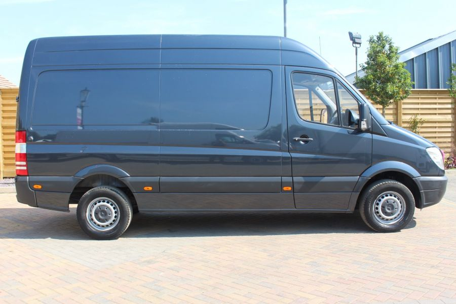 MERCEDES SPRINTER 313 CDI MWB HIGH ROOF - 6269 - 4
