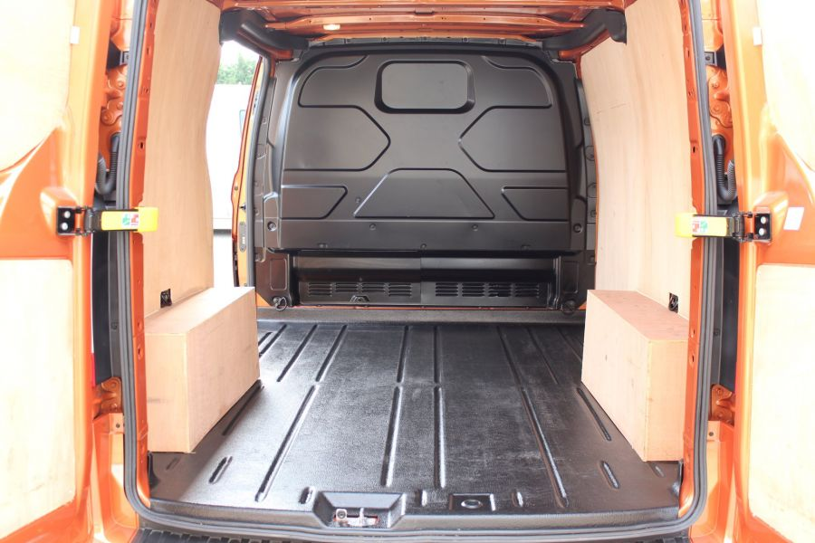 FORD TRANSIT CUSTOM 280 TDCI 130 L1 H1 LIMITED SWB LOW ROOF FWD - 9411 - 25
