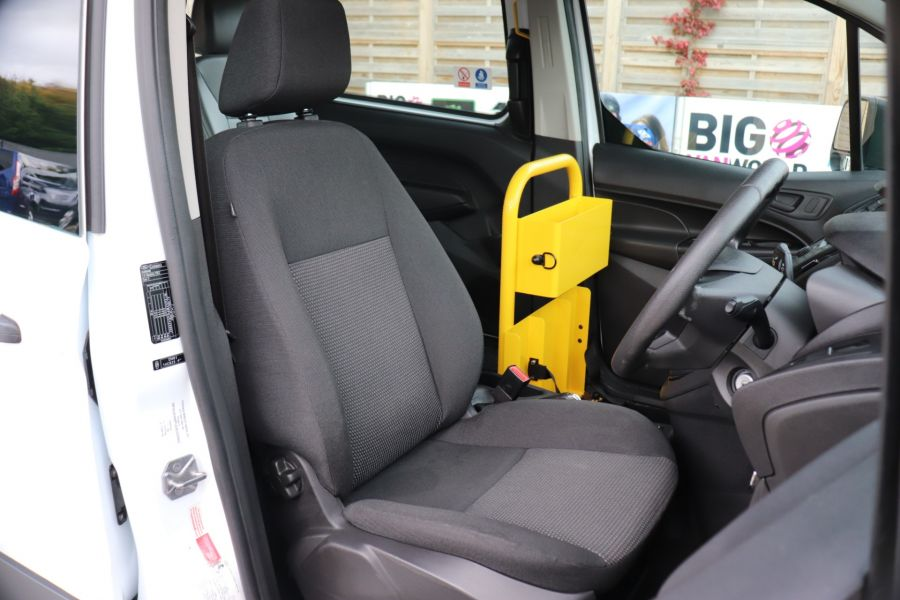 FORD GRAND TOURNEO CONNECT TDCI 95 COMBI VAN WITH WHEELCHAIR ACCESS - 11545 - 13