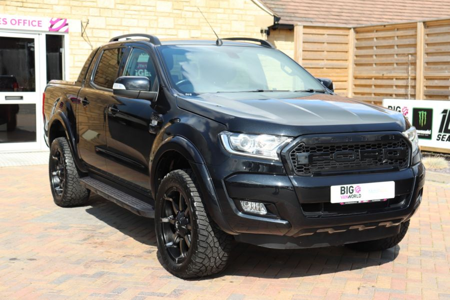 FORD RANGER WILDTRAK TDCI 200 4X4 DOUBLE CAB WITH ROLL'N'LOCK TOP - 9851 - 3