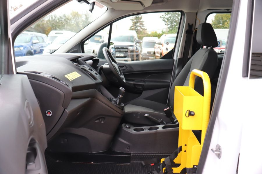 FORD GRAND TOURNEO CONNECT TDCI 95 COMBI VAN WITH WHEELCHAIR ACCESS - 11545 - 30