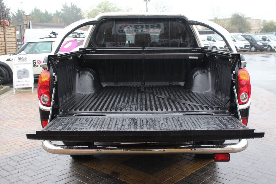 MITSUBISHI L200 DI-D 176 4X4 BARBARIAN BLACK LB SPECIAL EDITIONS DOUBLE CAB WITH ROLL'N'LOCK TOP - 6848 - 24