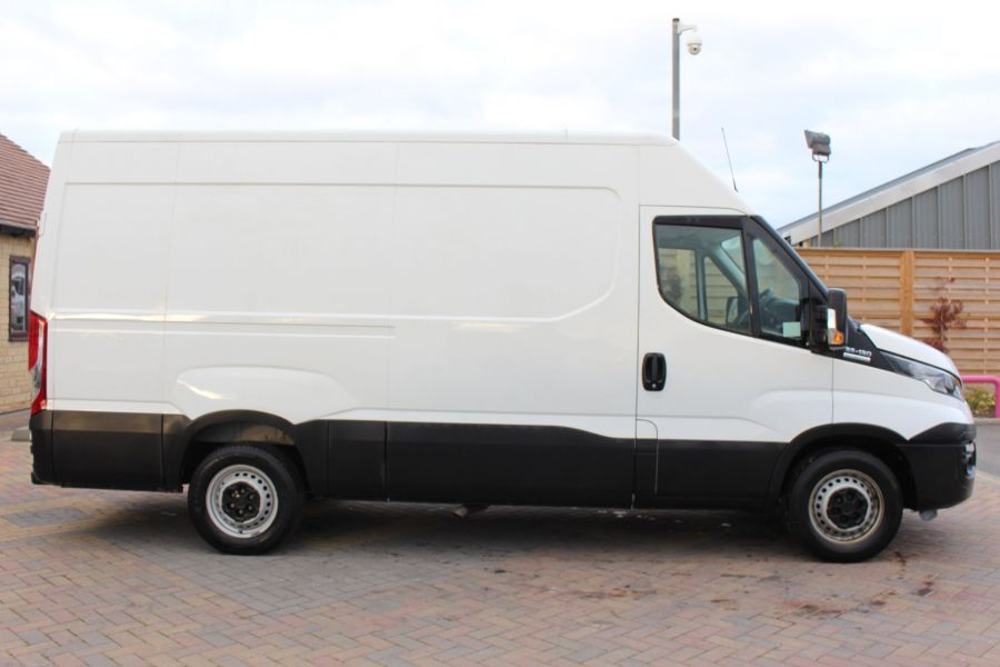 IVECO DAILY 35S13 HI-MATIC MWB HIGH ROOF - 8679 - 4