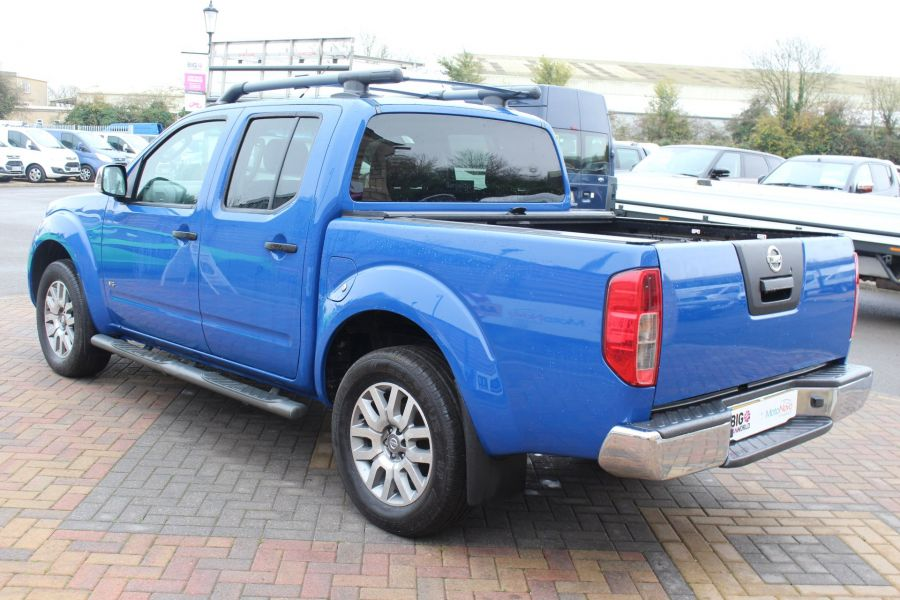 NISSAN NAVARA OUTLAW DCI 231 4X4 SHR DOUBLE CAB WITH ROLL'N'LOCK TOP - 6936 - 7