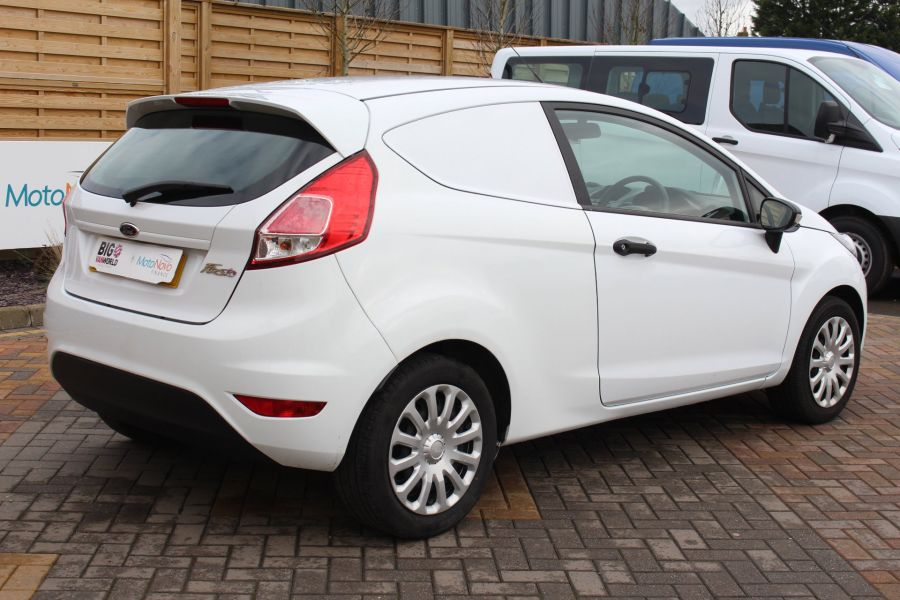 FORD FIESTA BASE 1.5 TDCI 74 - 7301 - 5