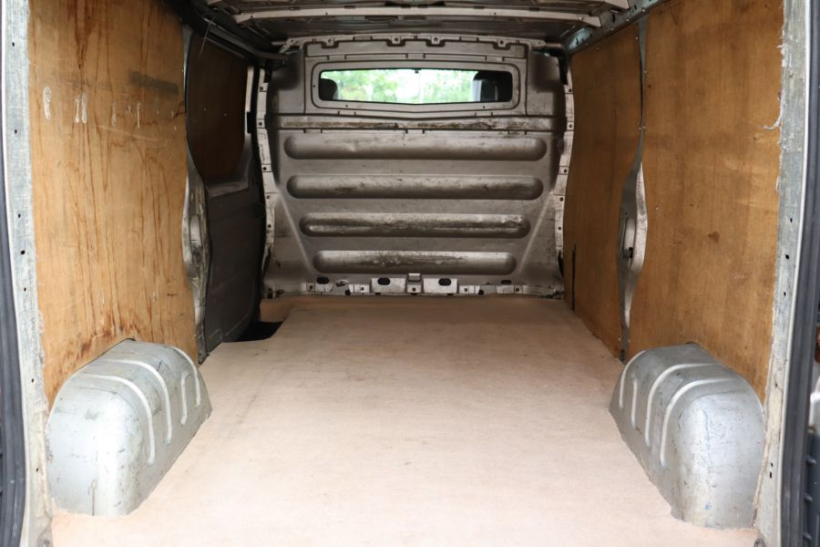 RENAULT TRAFIC LL29 DCI 100 LWB LOW ROOF - 9371 - 26